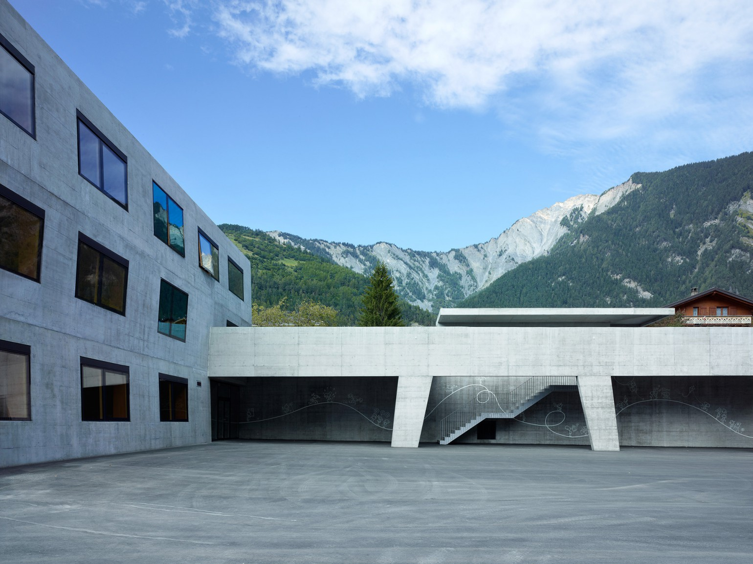 ecole_primaire_volleges_meyer_architecture_sion_03