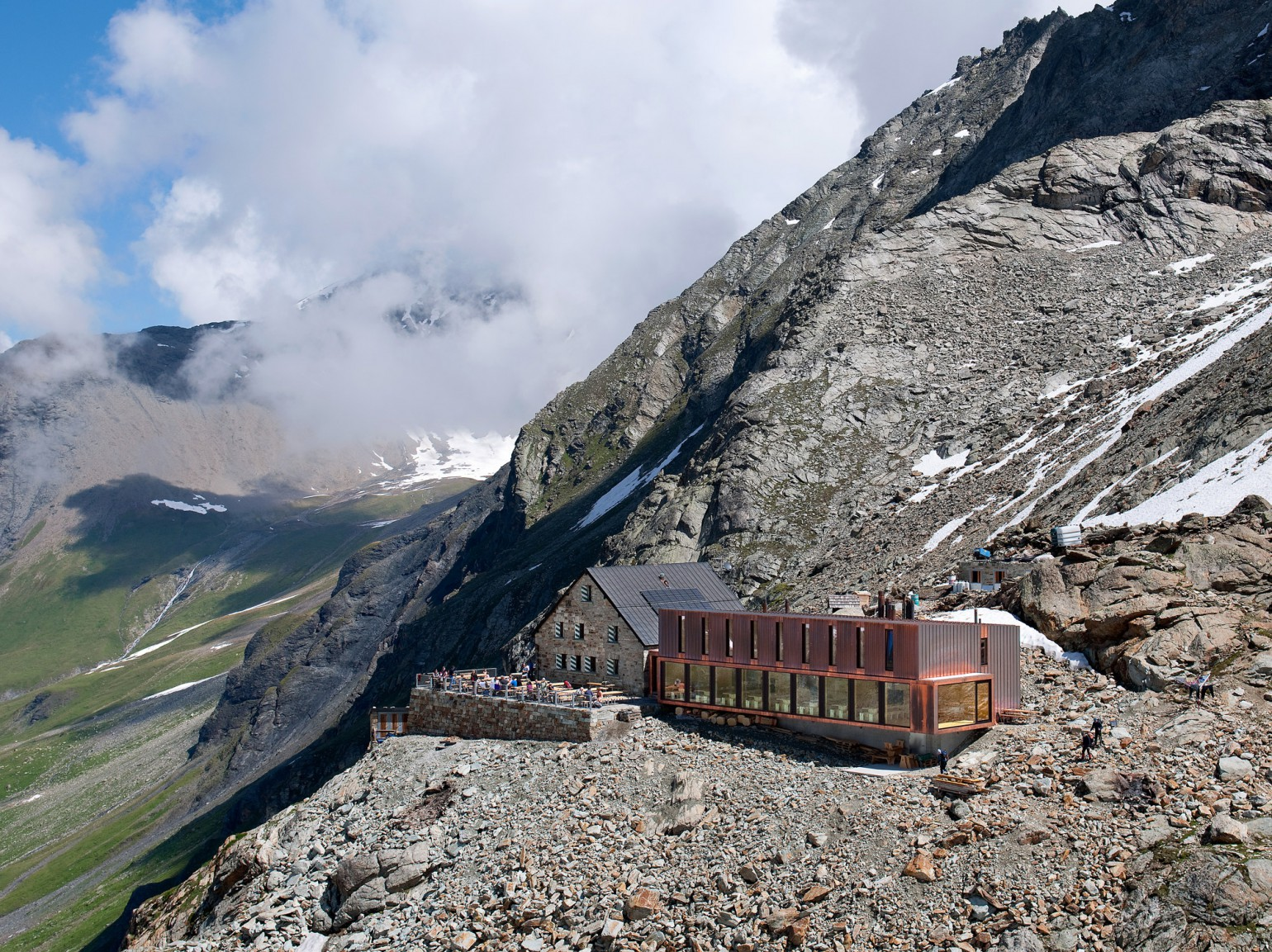 cabane-de-moiry-meyer-architecture-sion-01