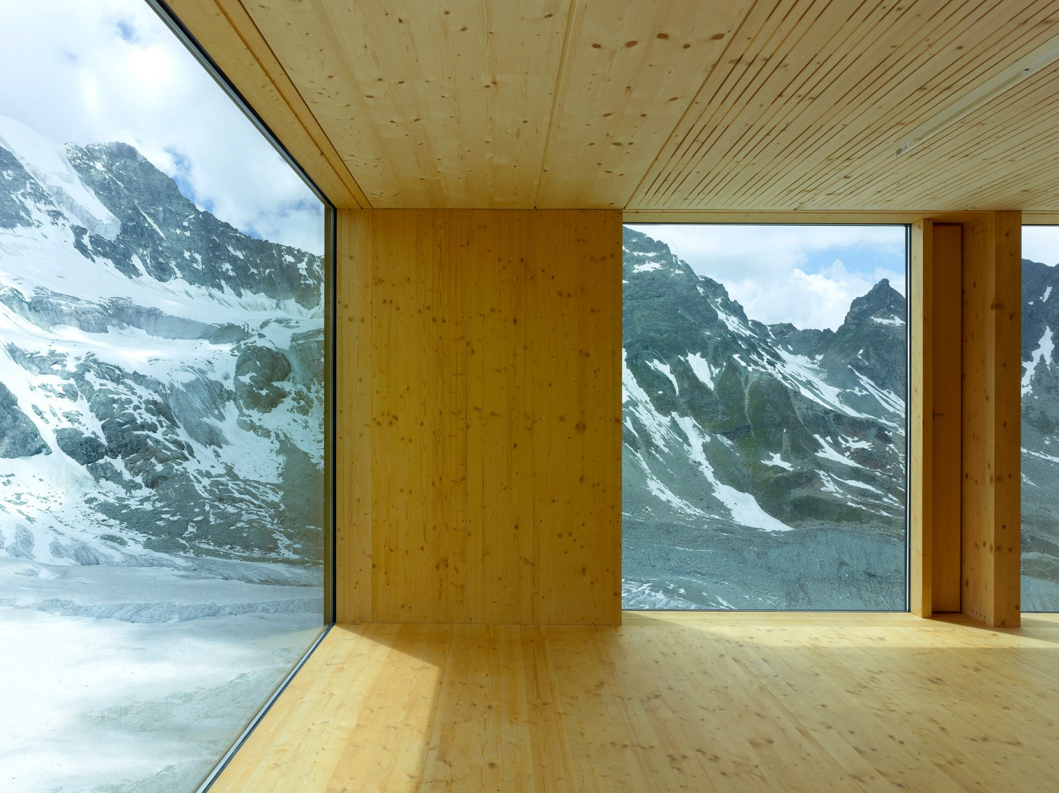 cabane-de-moiry-meyer-architecture-sion-05