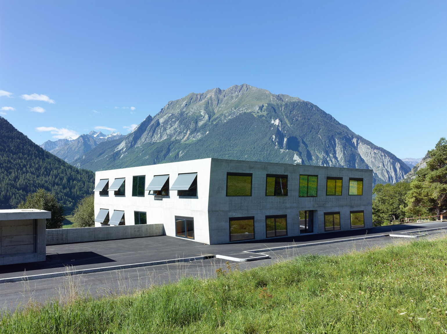 Ecole primaire meyer architecture sion Meyer architecture