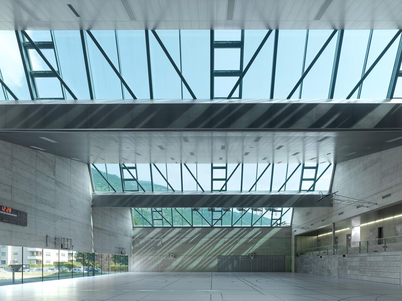 salle de sport triple meyer architecture sion. Black Bedroom Furniture Sets. Home Design Ideas