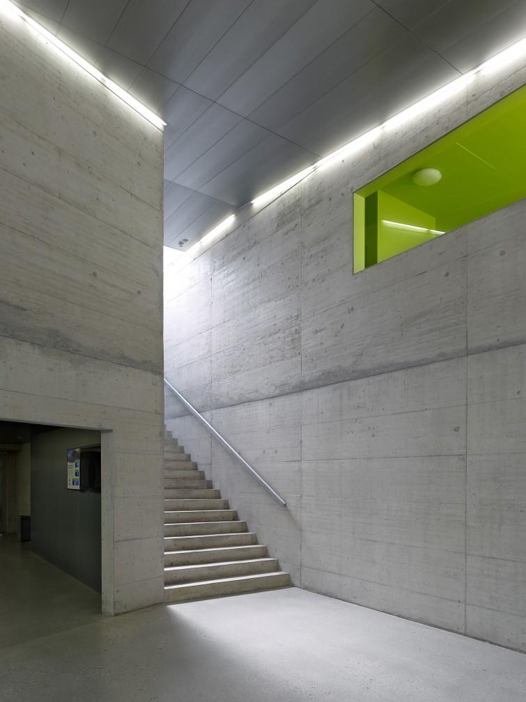 Salle de sport triple meyer architecture sion for Meyer architecture