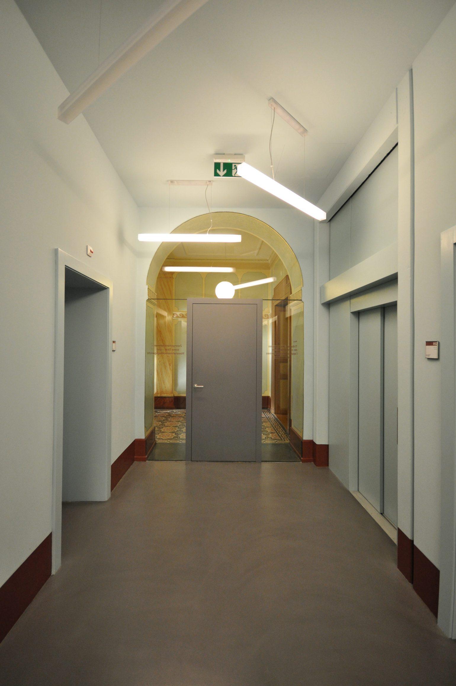 Palais de justice meyer architecture sion for Meyer architecture